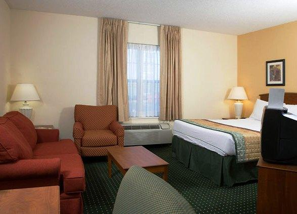 Photo 2 - TownePlace Suites Louisville North