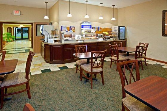 Photo 2 - Holiday Inn Express La Grange