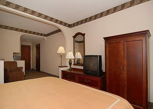 Photo 2 - Hawthorn Suites - Charlotte