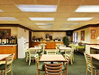 baymont inn suites nashville airport briley 2350 elm. Black Bedroom Furniture Sets. Home Design Ideas