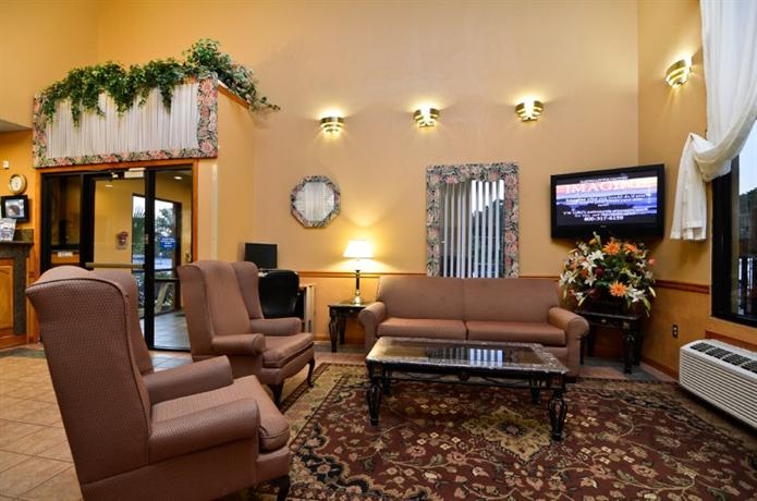 Photo 3 - Best Western Ridgeland Inn