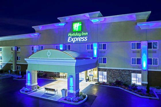 Photo 1 - Holiday Inn Express Bowling Green