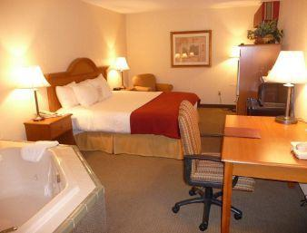 Photo 1 - Baymont Inn And Suites Indianapolis