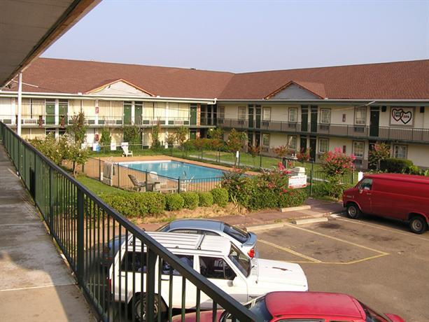Photo 2 - Best Value Inn Jackson (Mississippi)