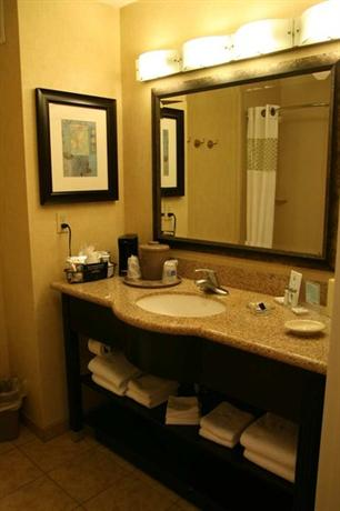 Photo 3 - Hampton Inn & Suites Barstow