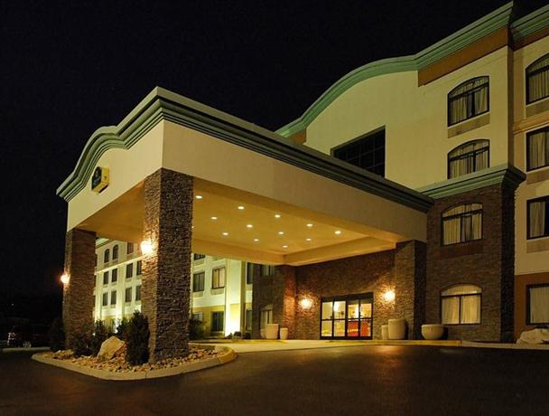 Photo 1 - La Quinta Inn & Suites Sevierville
