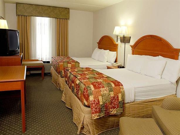 Photo 3 - La Quinta Inn & Suites Sevierville
