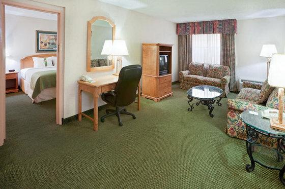 Photo 3 - Holiday Inn-Brownsville