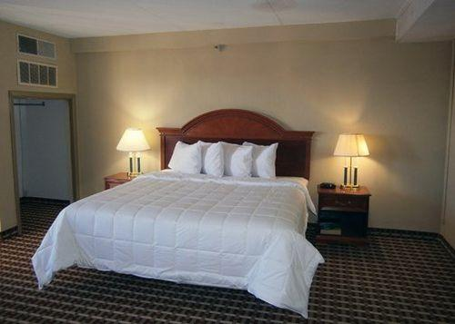 Photo 2 - Quality Inn & Suites Fort Bragg