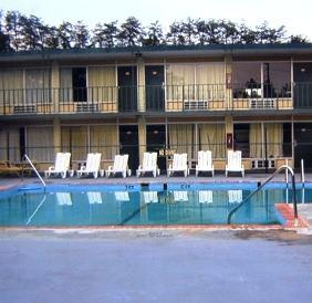 Photo 3 - Plaza Inn Morganton