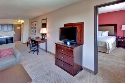 Photo 3 - Holiday Inn Hotel & Suites Bakersfield North