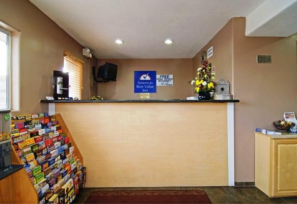 Photo 2 - Americas Best Value Inn Henderson (Nevada)