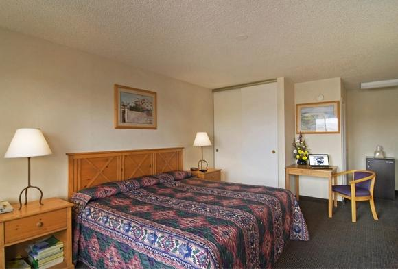 Photo 3 - Americas Best Value Inn Henderson (Nevada)