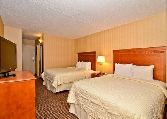 Photo 2 - Comfort Inn & Suites Alexandria