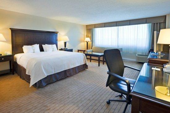Photo 2 - Holiday Inn Airport Birmingham (Alabama)