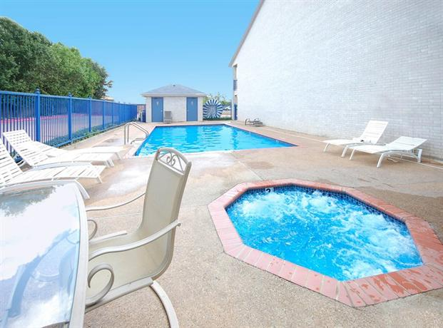 Photo 3 - Best Western Executive Inn Round Rock