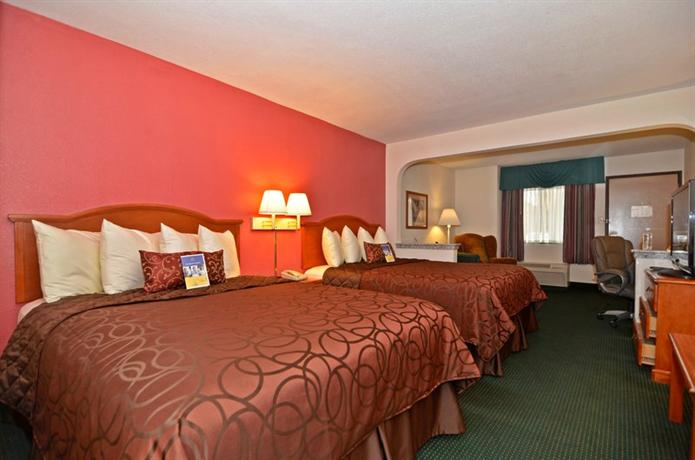 Photo 3 - Best Western Suites Memphis