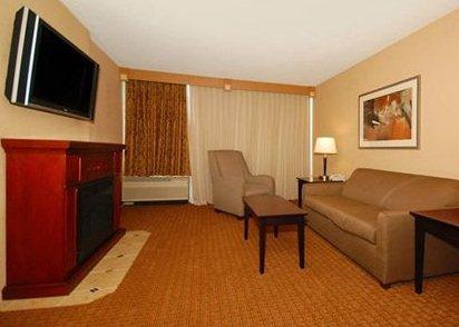 Photo 2 - Comfort Inn & Suites Omaha