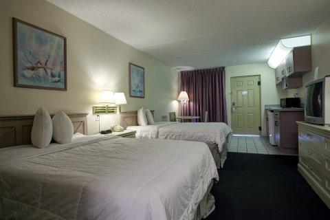 Photo 3 - America's Best Value Inn Clearwater Florida