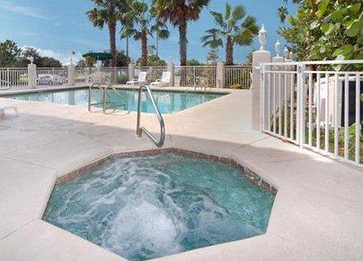 Photo 2 - Comfort Suites Clearwater (Florida)