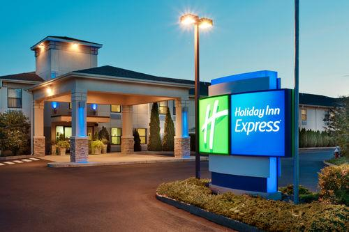 Photo 1 - Holiday Inn Express Vernon