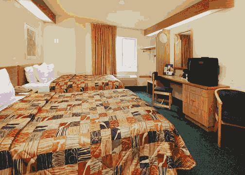 Photo 1 - Travelodge Hotel South Colorado Springs