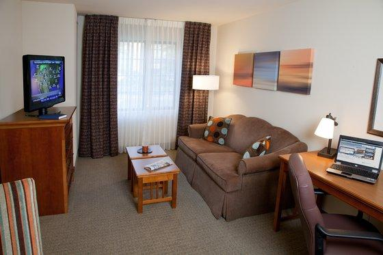 Photo 2 - Staybridge Suites San Diego - Sorrento Mesa