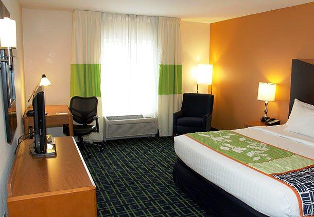 Photo 2 - Fairfield Inn and Suites Fort Wayne