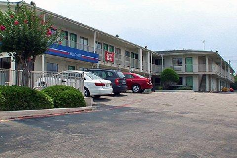 Photo 1 - Quality Inn & Suites Six Flags Area
