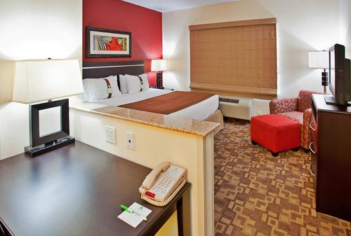 Photo 3 - Holiday Inn Omaha Downtown Airport