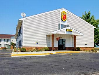 Photo 1 - Super 8 Motel Portage (Wisconsin)