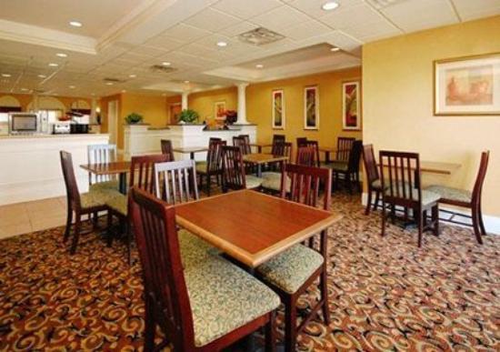 Photo 1 - Comfort Inn & Suites Airport & Expo