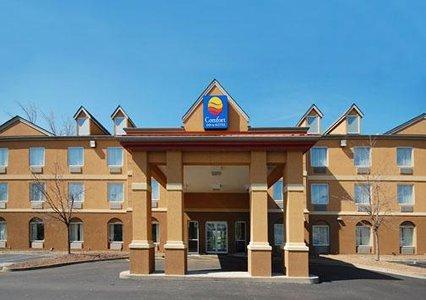 Photo 2 - Comfort Inn & Suites Airport & Expo