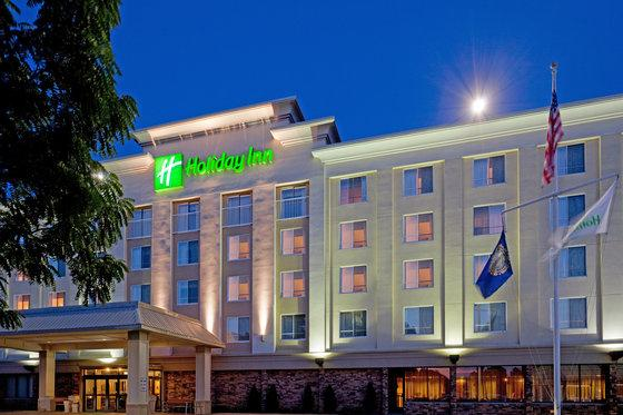 Photo 1 - Holiday Inn Portsmouth (New Hampshire)