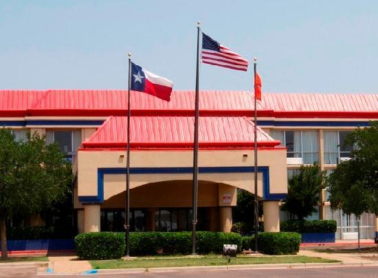 Photo 1 - Red Roof Inn Lubbock