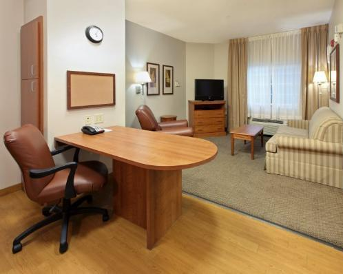 Photo 2 - Candlewood Suites Shreveport