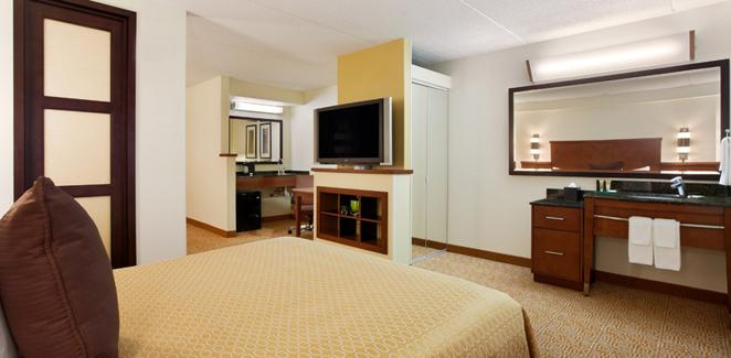 Photo 1 - Hyatt Place Kansas City Airport