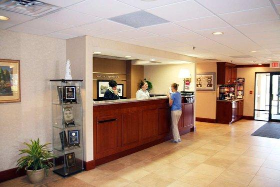 Photo 2 - Hampton Inn Springfield (Illinois)