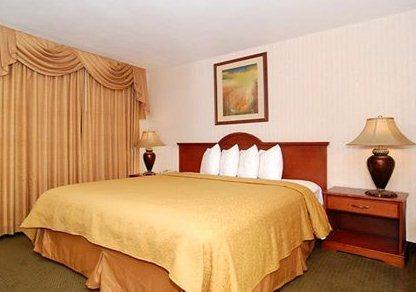 Photo 3 - Quality Inn & Suites Riverside (California)