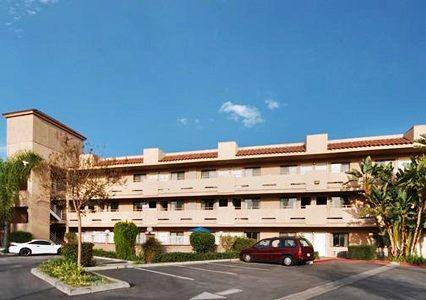 Photo 2 - Comfort Inn Norwalk (California)