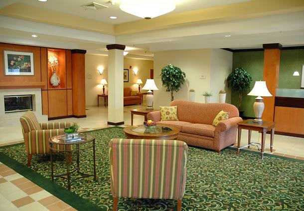 Photo 2 - Fairfield Inn & Suites Winchester