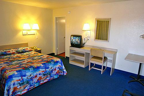 Photo 2 - Motel 6 Redding Central