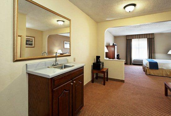Photo 3 - Holiday Inn Express Monroeville