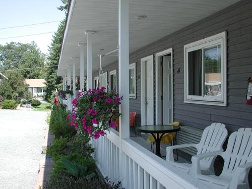 Photo 2 - Lyn Aire Motel Resort