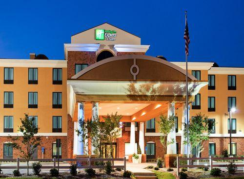 Photo 1 - Holiday Inn Express Gulf Shores