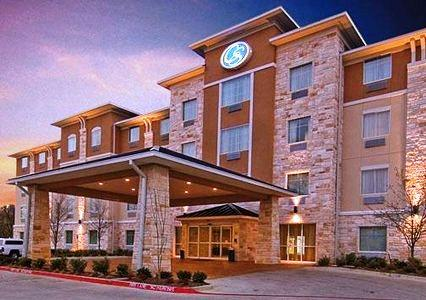 Photo 1 - Comfort Suites Arlington
