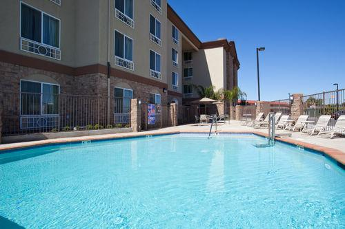 Photo 3 - Holiday Inn Express Hotel & Suites Fresno South