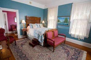 Photo 1 - Brackenridge House Bed & Breakfast San Antonio