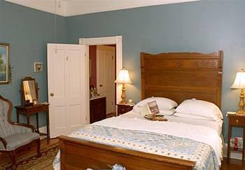 Photo 3 - Brackenridge House Bed & Breakfast San Antonio