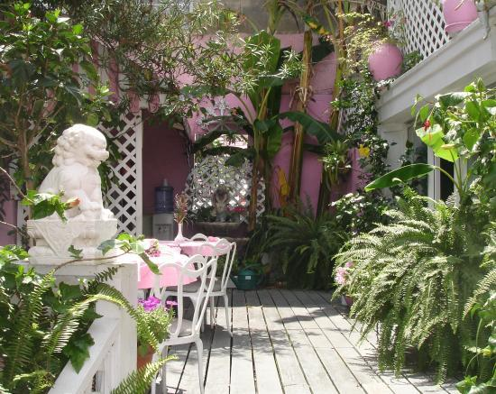 Photo 2 - New Orleans Guest House
